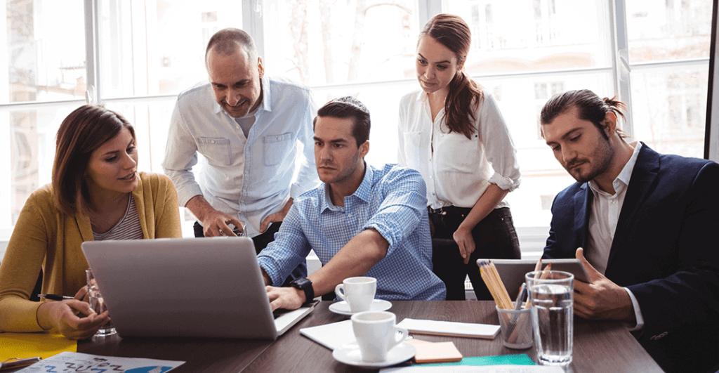 Working solo vs real estate team